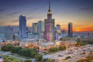 10 nietypowych budynków w Warszawie
