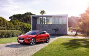 Jaguar I-PACE z napędem elektrycznym – wyprzedza konkurencję