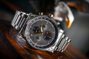 Wybrać zegarek czy może smartwatcha?